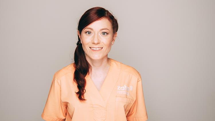 Katrin Bauer ist Dentalhygienikerin und Zahnmedizinische Prophylaxeassistentin bei zahn-B in Strausberg.