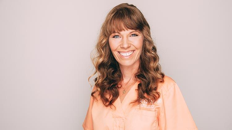 Nadine Jobb ist Zahnmedizinische Fachangestellte bei zahn-B in Strausberg.